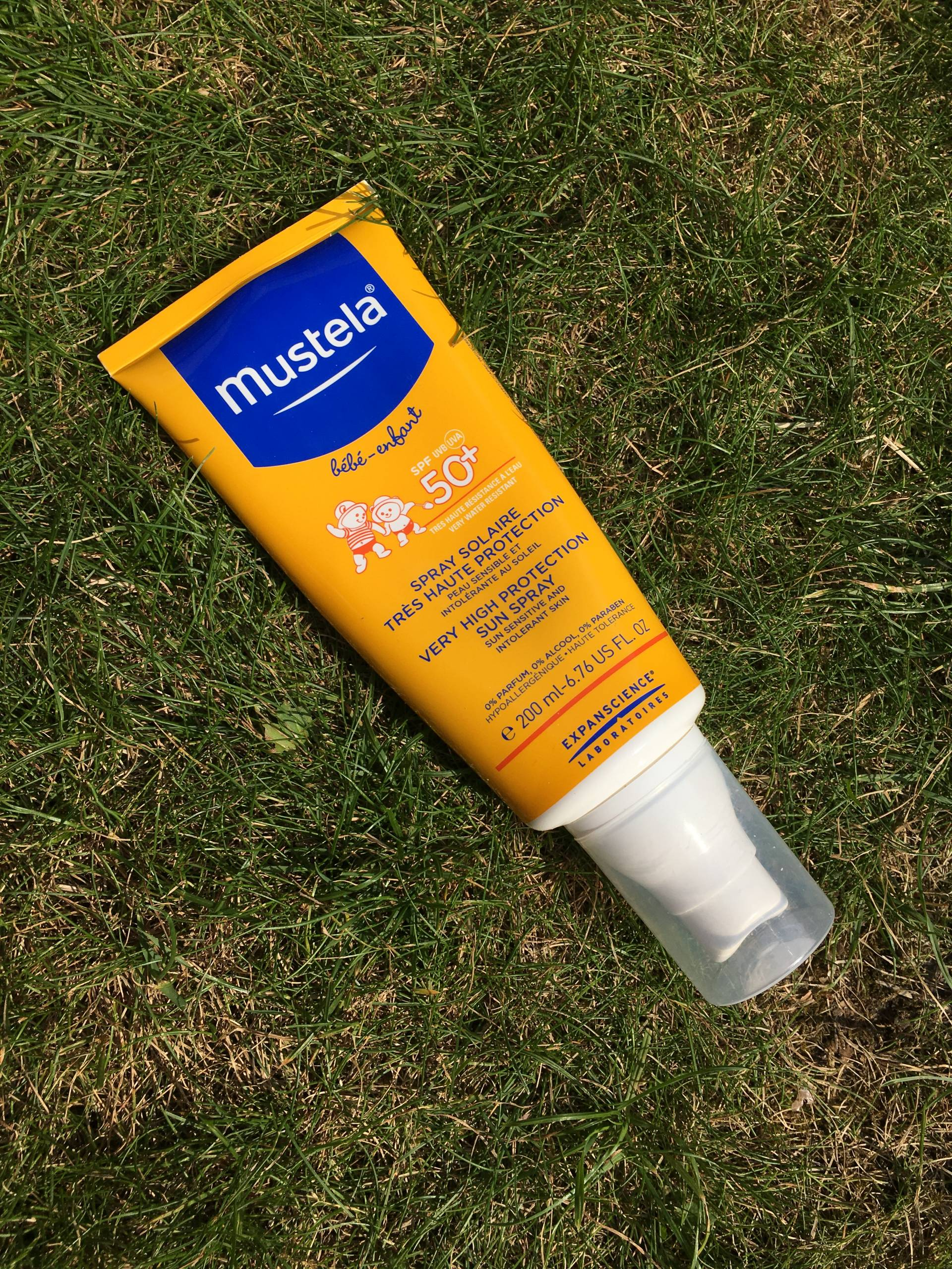 Mustela Very High sun spray