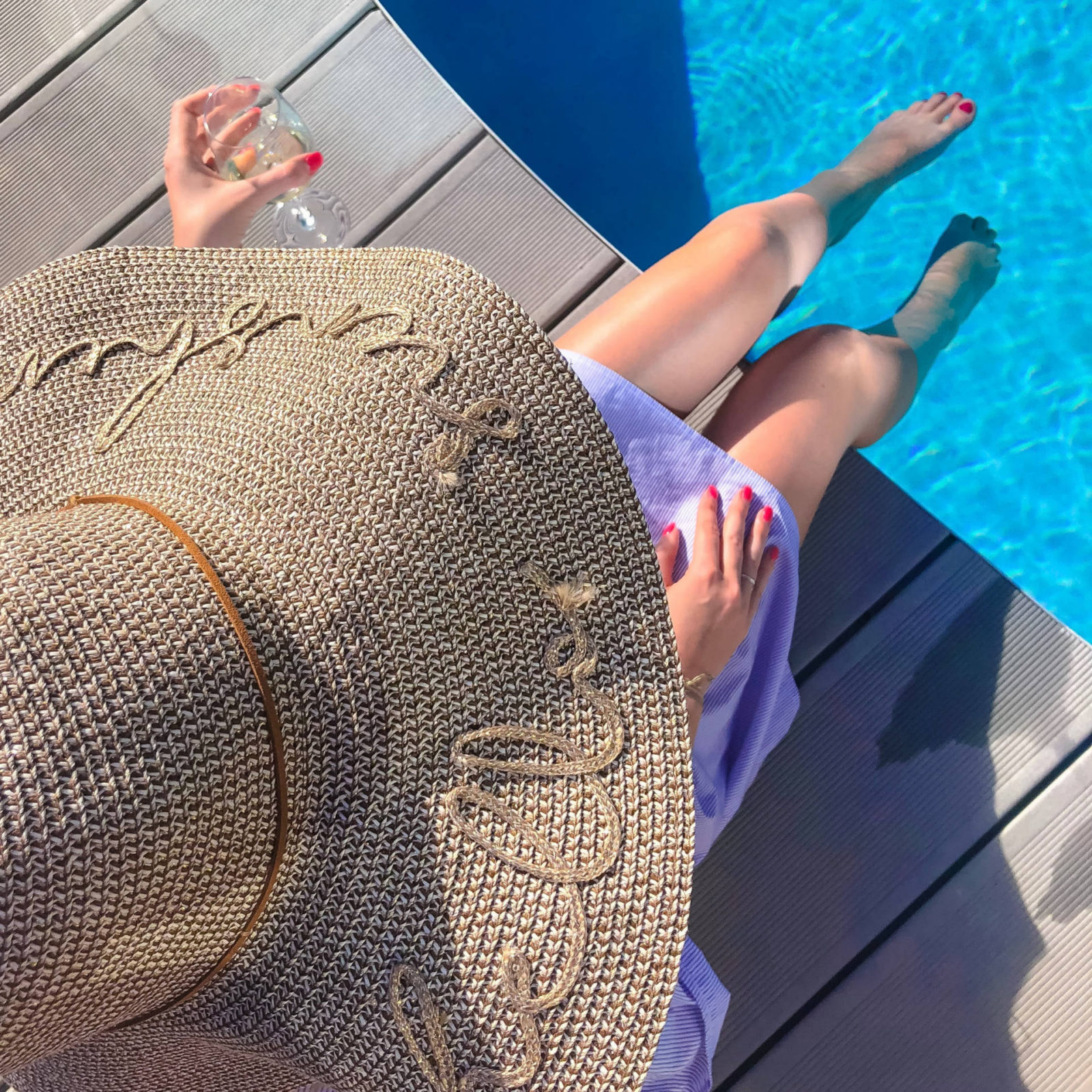 The Retreat, Portugal and finally some sun – Little Loves